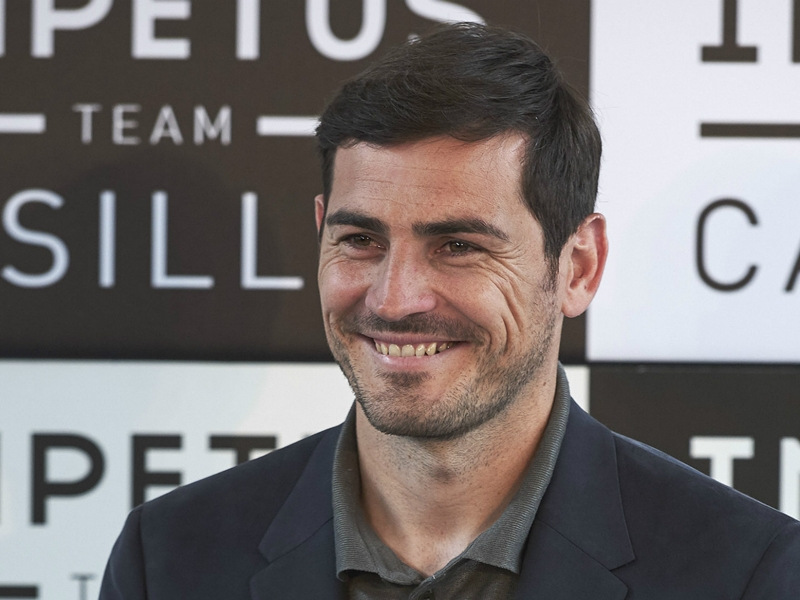 FC Porto, Iker Casillas sur le banc en amical
