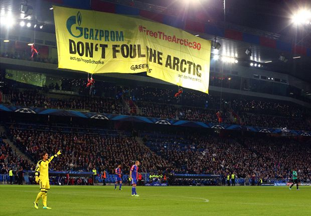Daredevil protestors halt Basel-Schalke Champions League clash