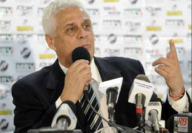 Ex-dirigente do Flamengo ironiza Roberto Dinamite nas redes sociais
