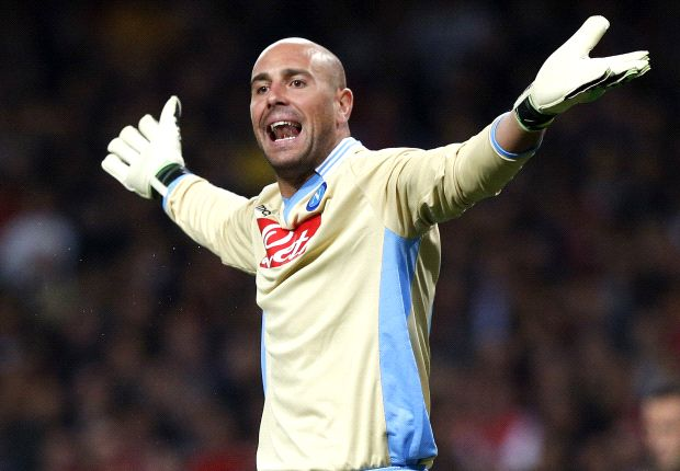 Reina targets Barcelona return