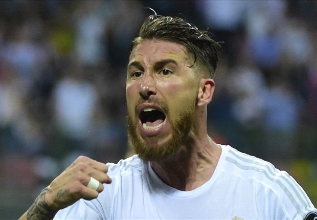 VIDEO: Sergio Ramos avoids getting decapitated by a tree