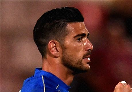 Pelle strikes to see off Scotland