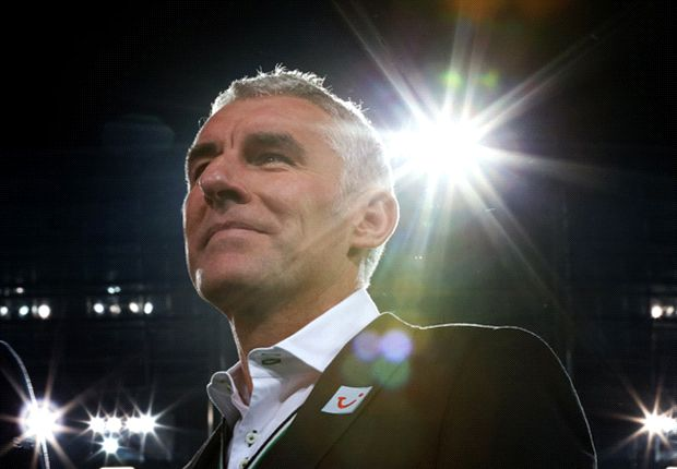 Steht wohl vor dem Aus bei Hannover 96: Trainer Mirko Slomka
