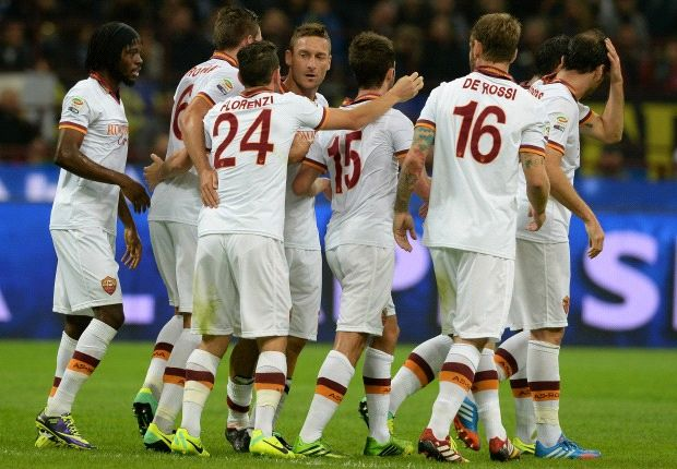 La Roma festejó una contundente victoria 3-0 frente al Inter.