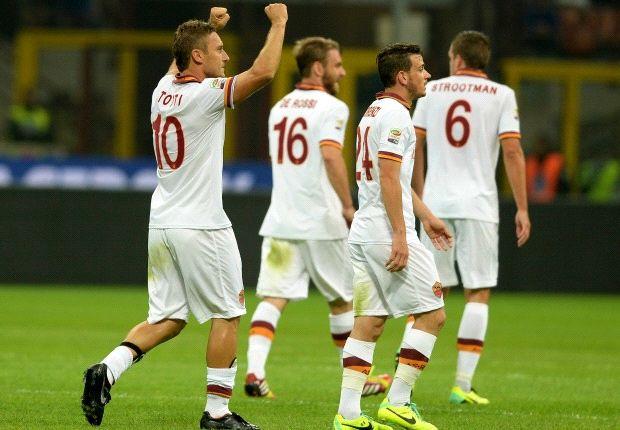 Totti e compagni festeggiano il 3-0 sull'Inter
