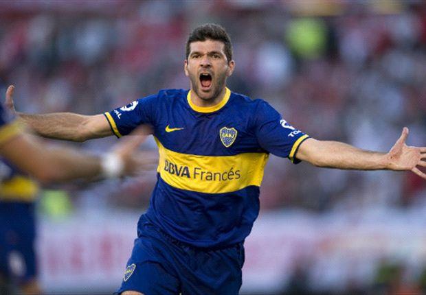 Gigliotti con la boca llena de gol; fue el cuarto consecutivo en cancha de River.