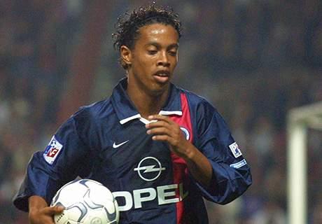 Debut Ronaldinho Di PSG