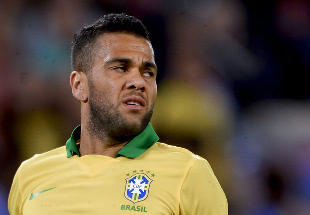 Alves urges Costa to reconsider choosing Spain over Brazil