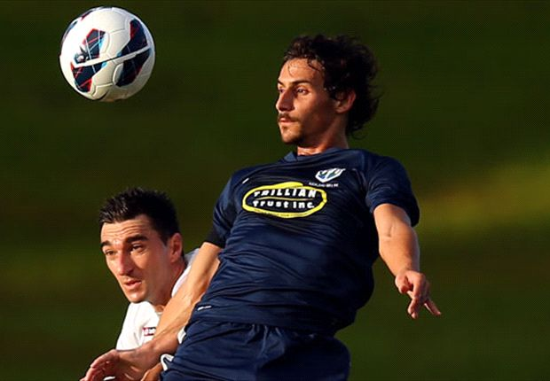 Wellington Phoenix sign Albert Riera