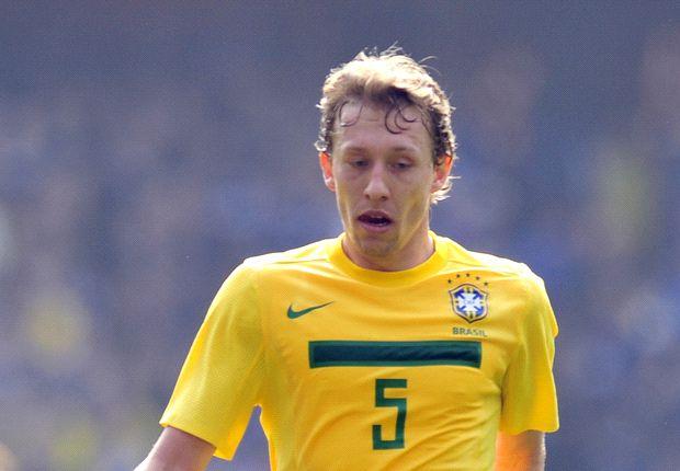 Lucas Leiva targets Brazil stay
