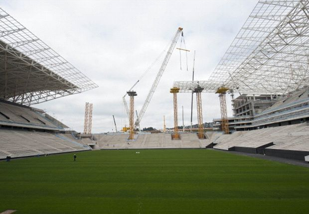 Adriano: Brazil fears World Cup stadium failure