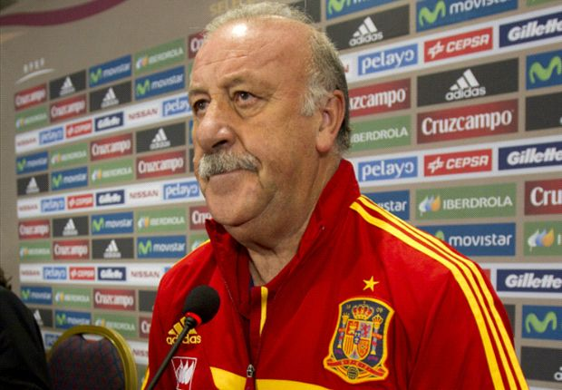 Del Bosque urges Spain to seal top spot