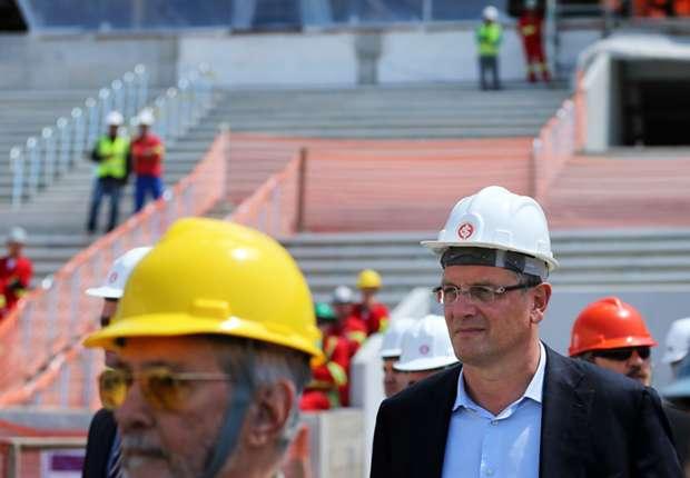 Trotz Baurückstand und Proteste ist die Fertigstellung der Stadien ungefährdet.
