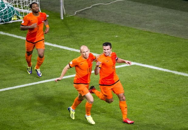 Van Persie & Robben in Netherlands squad for Japan & Colombia friendlies