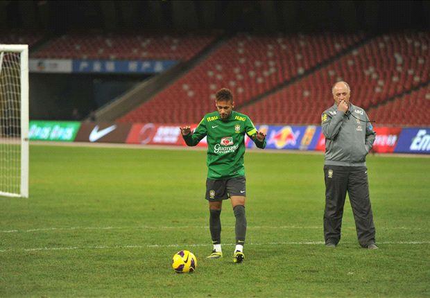 Scolari puji ketangguhan Neymar.