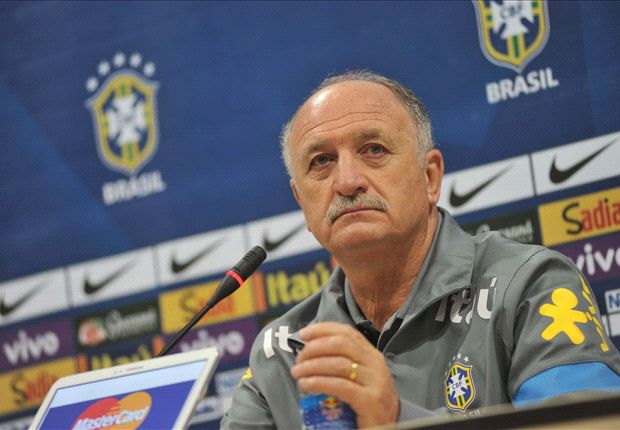 Scolari: I'd consider taking Totti to the World Cup