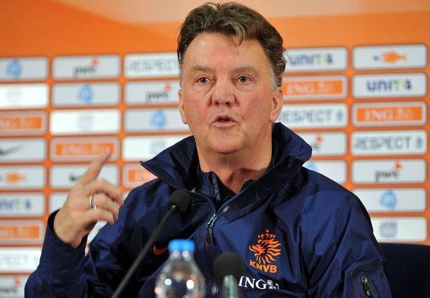 Van Gaal fumes at Netherlands 'decline'