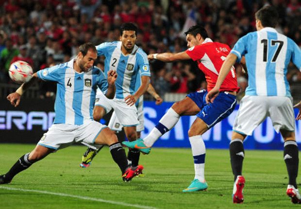 Zabaleta, Garay y Fernández, tres integrantes de la defensa preferida de Sabella.