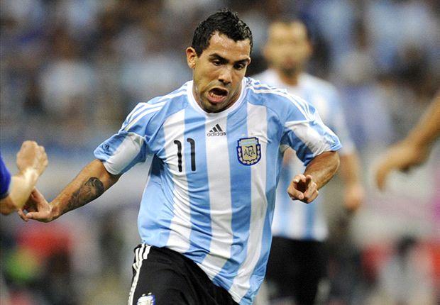 Carlitos debería estar siempre en la Selección. Su nivel obliga.