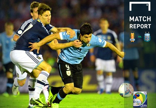 Edinson Cavani Menangkan Uruguay