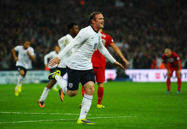Rooney defends Hodgson over 'space monkey' controversy