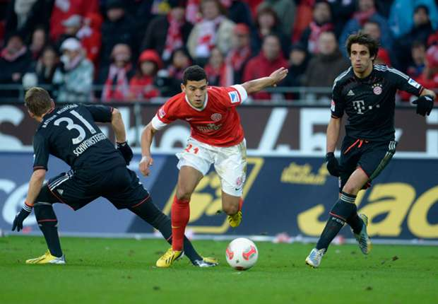 Mainz's Shawn Parker against Bayern Munich