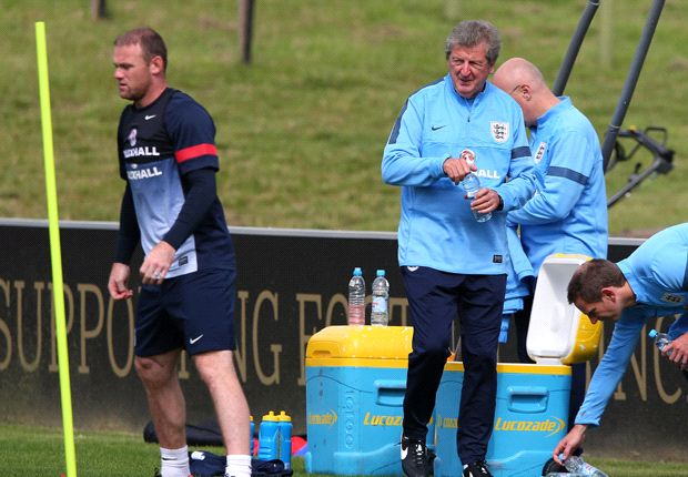Hodgson: I'm not afraid to drop Rooney at World Cup