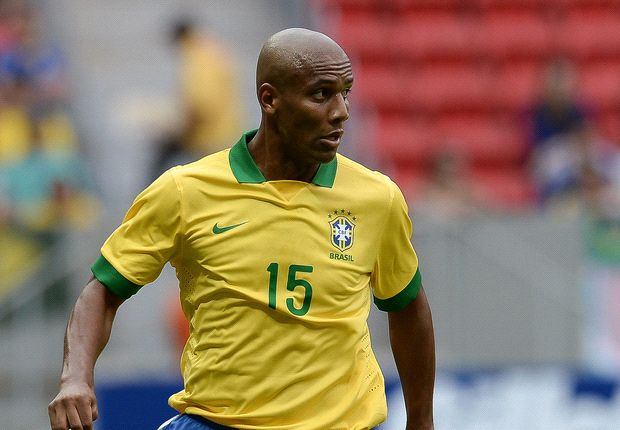 Maicon believes Alves competition is good for Brazil