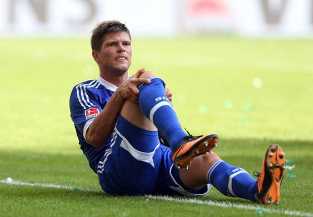 Huntelaar confirms knee operation