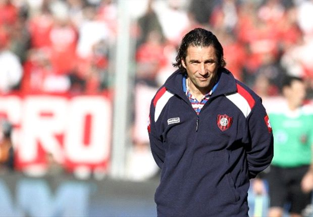 Pizzi sustituye a Djukic en el difícil banquillo del Valencia