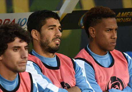 VIDEO: Luis Suarez throws a tantrum