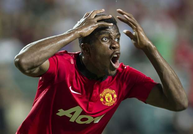 Manchester United boss Moyes open to Zaha loan