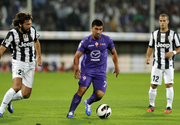 Pirlo e Pizarro nell'ultimo Fiorentina-Juventus