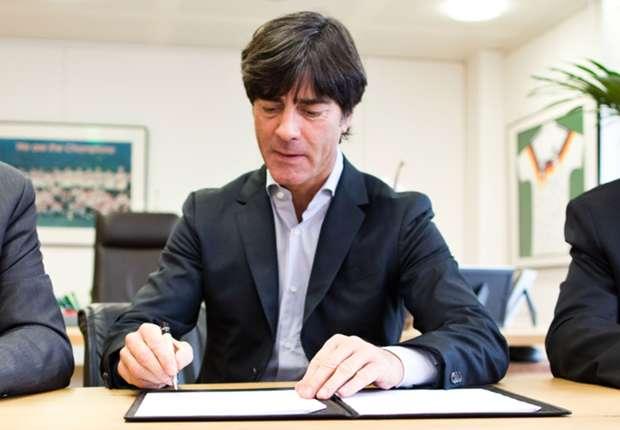 Low telah menandatangani tambahan kontrak dua tahun