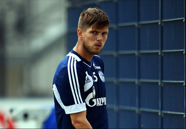 Schalke boss Keller: Huntelaar edging closer to comeback