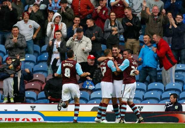 Burnley midfielder Scott Arfield