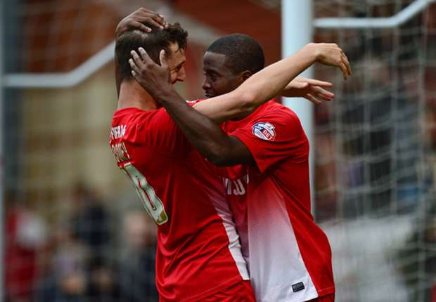 Leyton Orient players Kevin Lisbie and David Rooney celebrate a goal