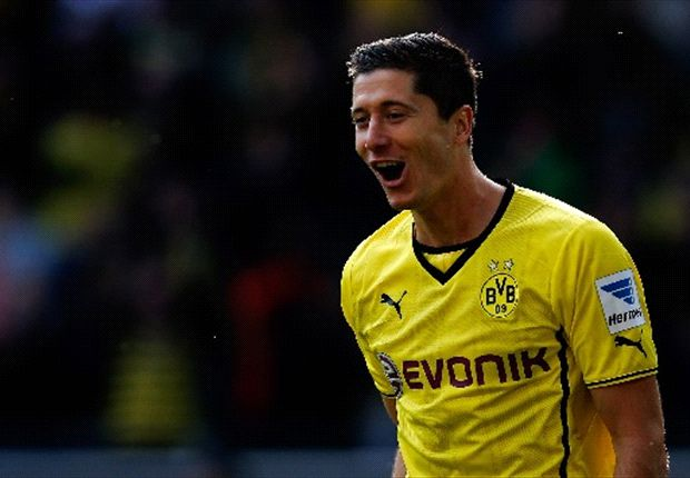 Lewandowski one of the best in Europe - Szczesny