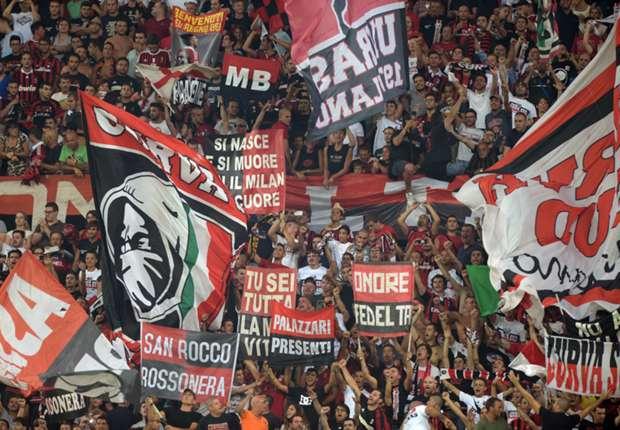 Suporter AC Milan blokir jalan keluar stadion San Siro