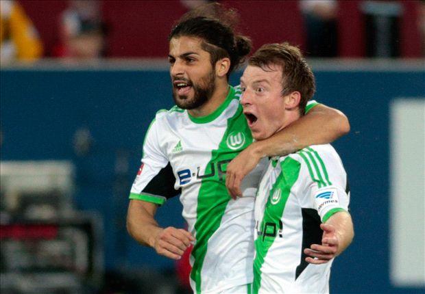 Jubel beim VfL: Die Wolfsburger freuen sich über den Dreier in Augsburg