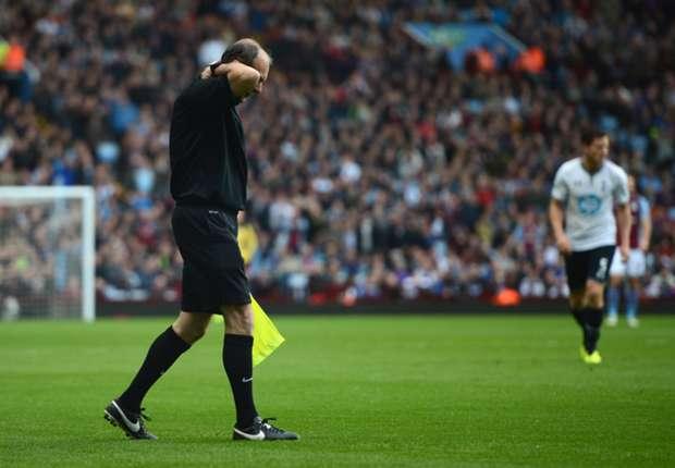 Assistant referee David Bryan