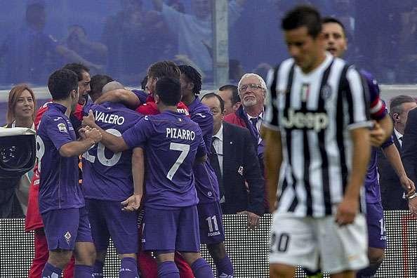Le due facce della domenica del Franchi: Fiorentina esultante, Juventus a capo chino...