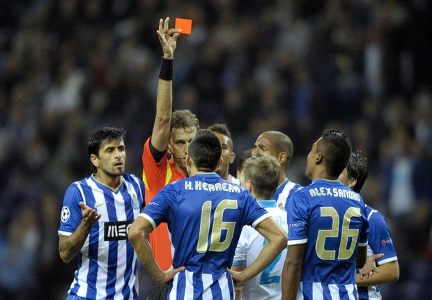 Mexico midfielder Herrera sent off in record time in Porto's UCL loss