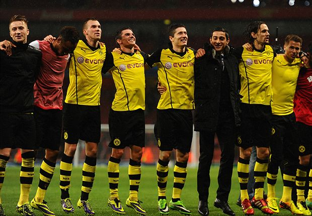 So jubelte Borussia Dortmund nach dem Sieg beim FC Arsenal