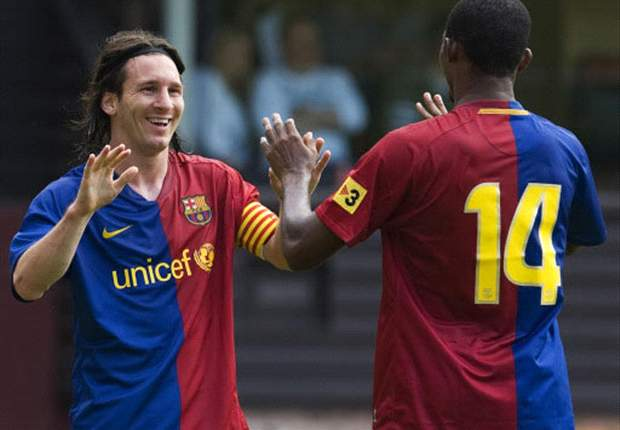 Messi Inherits Ronaldinho's No. 10 Shirt