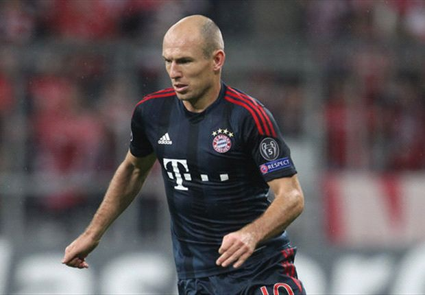 Robben flattered by PSG links