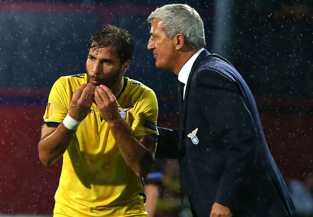 Petkovic dà indicazioni a Cana nella trasferta di Nicosia