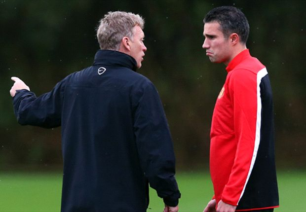 Moyes denies claims of lengthy Van Persie injury