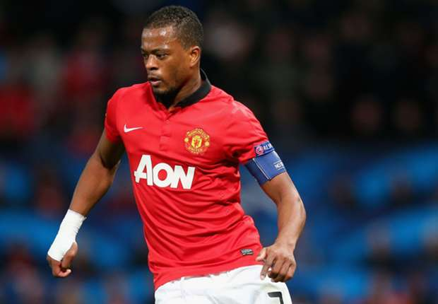 Manchester United need a 10-game winning streak, says Evra