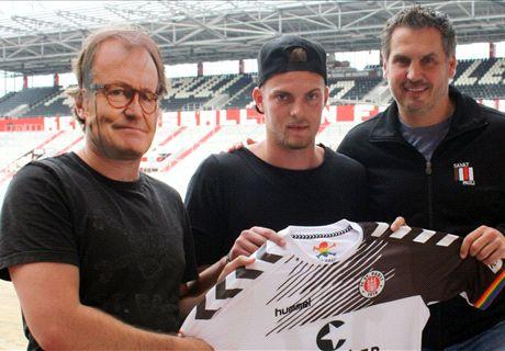 St Pauli use masked manager at unveiling